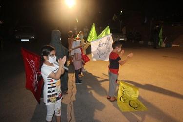 عکس | شب اول  مراسمات  عید  غدیر  اجرای  میدانی  سرود  در  مجتمع