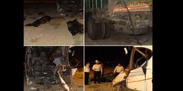تصادف اتوبوس در اتوبان کاشان -قم 2 کشته بر جای گذاشت/انتقال 18 مصدوم به بیمارستانهای قم