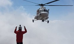 فیلم| امداد هوایی برای نجات کوهنوردان گرفتار در ارتفاعات دماوند