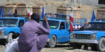 هدایای رهبر انقلاب به «گافر» رسید/ توزیع ۳۵۰ دستگاه یخچال در «بشاگرد» + فیلم و عکس