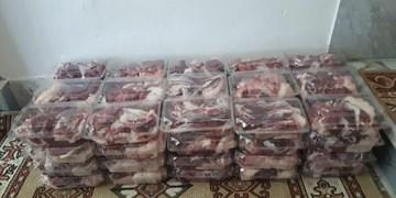 توزیع ۱۲۰۰ بسته گوشت بین نیازمندان استان سمنان