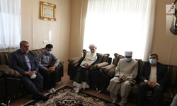 پیام تسلیت مقام معظم رهبری به خانواده امام جمعه اهل سنت کرمانشاه ابلاغ شد