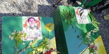 تدفین پیکر ۲ شهید مدافع حرم در مشهد