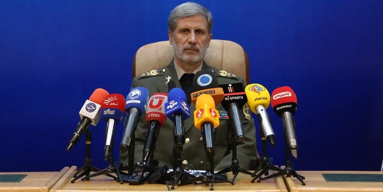 وزیر دفاع خبر داد: افتتاح خط تولید موتور اوج و رونمایی از موتور هوایی جدید در ۳۱ مرداد