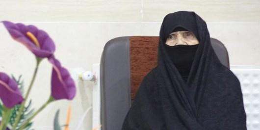 تکریم خانوادههای شهدا و ایثارگر توسط کانونهای فرهنگی کهگیلویه و بویراحمد/مادر شهیدان تقوی تجلیل شد