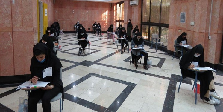 اعتراض دانشآموزان به ستاد کرونا/ خون داوطلبان کارشناسی ارشد رنگینتر از دانشآموزان است؟!