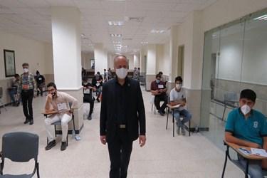 بازدید نصیری، رئیس دانشگاه سمنان از روند برگزاری کنکور