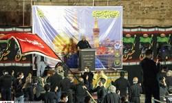 فیلم|نصب پرچم شب اول محرم، در امامزاده عبدالله(ع) شوشتر