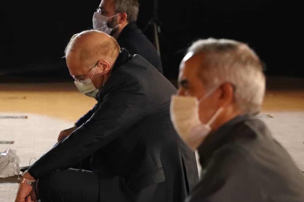 13990601001372 Test NewPhotoFree - حضور رئیس مجلس در مراسم عزاداری امام حسین(ع) در سفارت سابق امریکا