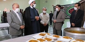 اطعام نیازمندان در ۷۲ آشپزخانه کمیته امداد همدان