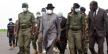 مالی پس از کودتا  دیدار هیات اعزامی آفریقایی با سران کودتا و رئیسجمهور مستعفی