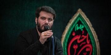 ندبهخوانی میثم مطیعی کنار مزار حاج قاسم
