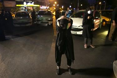 منقلب شدن یکی از حاضران هنگام نصب دیوارنگاره جدید میدان ولیعصر(عج)
