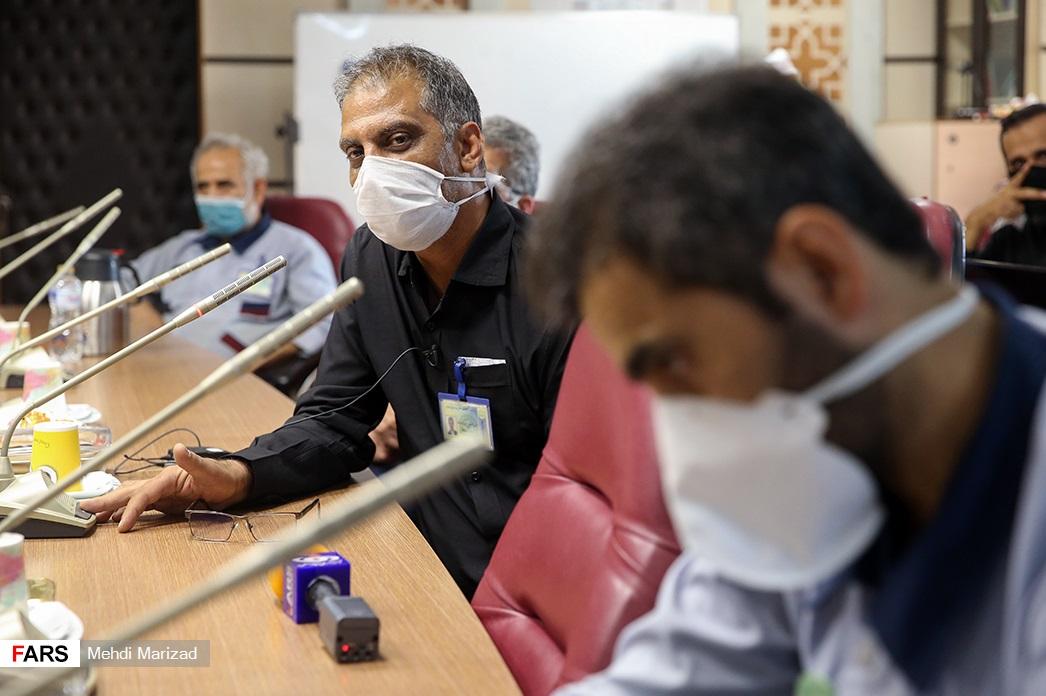 13990606000839 Test NewPhotoFree - درددل نیروی خدمات با معاون وزیربهداشت/ گلایه دختر11 ساله شهید مدافع سلامت