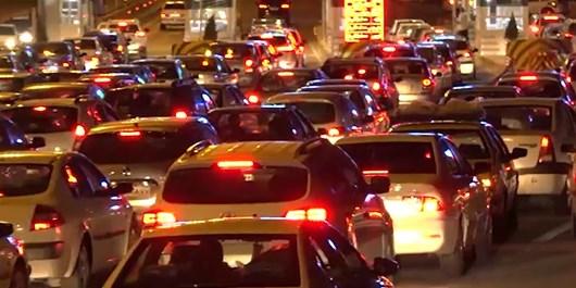 حجم بالای ترافیک منجر به بسته شدن جاده مرزنآباد شد+ فیلم