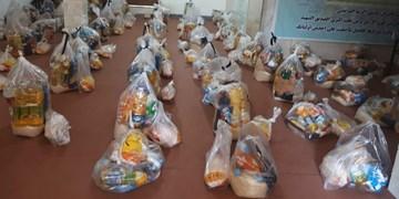 هیئت همدلی| توزیع ۱۰۰ بسته غذایی و بهداشتی در شهرستان پارس آباد