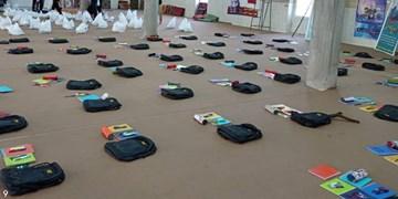 تداوم کمک مومنانه | اهدای  ۲ هزار بسته لوازم التحریر به دانشآموزان جهرم