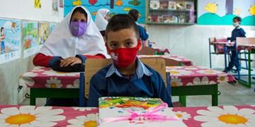 آغاز سال تحصیلی جدید در ساوه با نواختن زنگ مهر و مقاومت