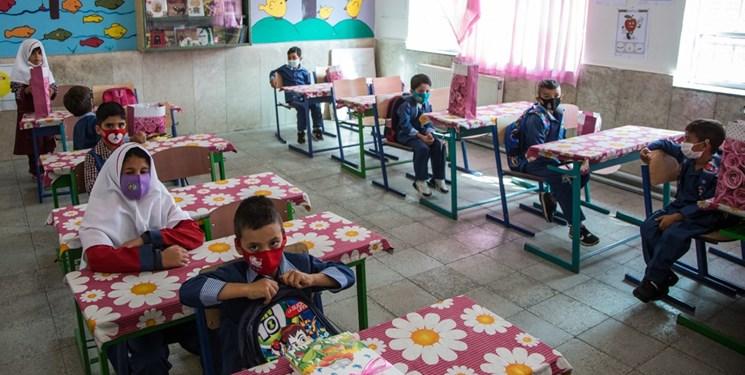 توزیع سیم کارت دانش آموزی فقط توسط مدارس انجام میشود/حضور در مدارس اجباری نیست