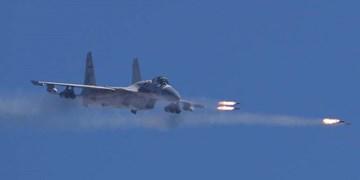 قدرت نمایی چین به آمریکا با پرواز جنگندههای «جی-15» از ناو «لیائونینگ»