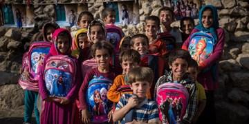 پویش ملی «مشق احسان» | اهداء ۸۰۰۰ بسته نوشتافزار به دانشآموزان نیازمند خراسانجنوبی