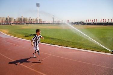 محمد مهدی به دلیل شیوع ویروس کرونا و حفظ سلامتی در ورزشگاه شهدای اسلامشهر که محیط خلوتی دارد تمرینات خود را پیگیری میکند.