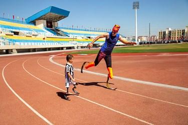 محمد مهدی برای اولین بار در ورزشگاه شهدای اسلامشهر به همراه سجاد سالاروندبه تمرین میپردازد .