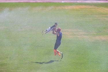 محمد مهدی برای اولین بار در ورزشگاه شهدای اسلامشهر به همراه سجاد سالاروندبه تمرین میپردازد.