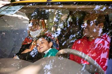 محمدمهدی برای تفریح به همراه خانواده خود در اطراف تهران ساعاتی را میگذراند.