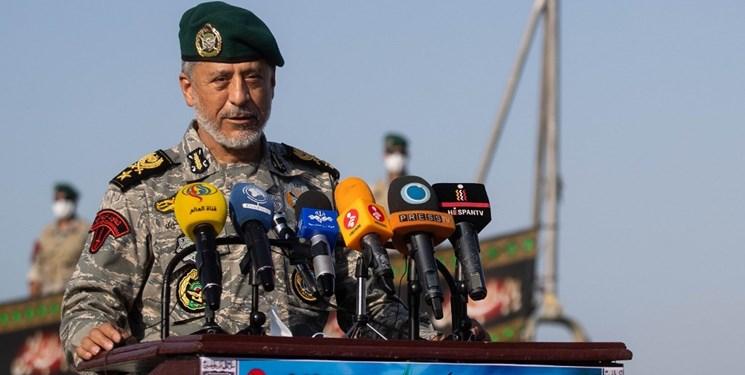 دشمن را در منطقه و فرامنطقه رصد میکنیم/ ارتش و سپاه یک مشت هستند