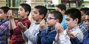 اقامه نماز در ۸۰۰ مدرسه استان سمنان پیش از شیوع کرونا