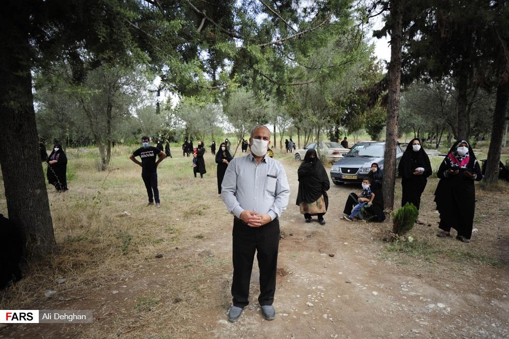 حضور اهالی روستا در مراسم شهید سهیلی فرد در گلزار شهدای سید میران