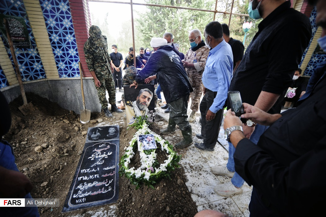 شهید مسلم سهیلی فرد از پرسنل کادر درمان بهداری ارتش جمهوری اسلامی در تهران و اصالتا از اهالی روستای «سید میران» گرگان بود