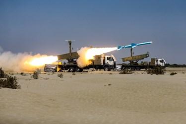شلیک موشک کروز ساحل به دریای قادر از سامانه موشکی ولایت-2 در رزمایش ذوالفقار ۹۹