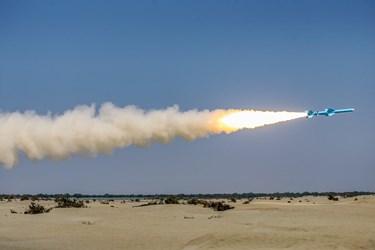 شلیک موشک قادر در رزمایش ذوالفقار ۹۹