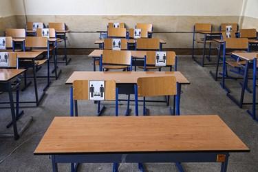 کلاس درس مدرسه تازه تاسیس نوجوانان در منطقه ۴ تهران