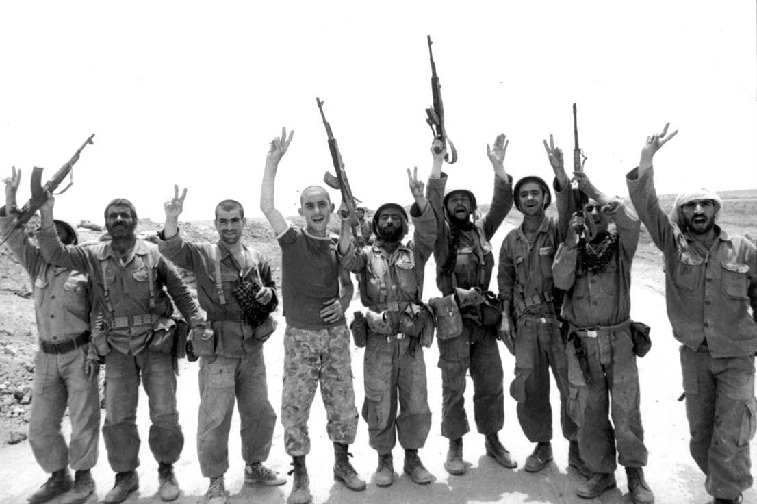13990625000965 Test NewPhotoFree - ۲۰ ماه رجزخوانی صدام برای حمله به ایران/ یک هفتهای جنگ را جمع میکنیم!
