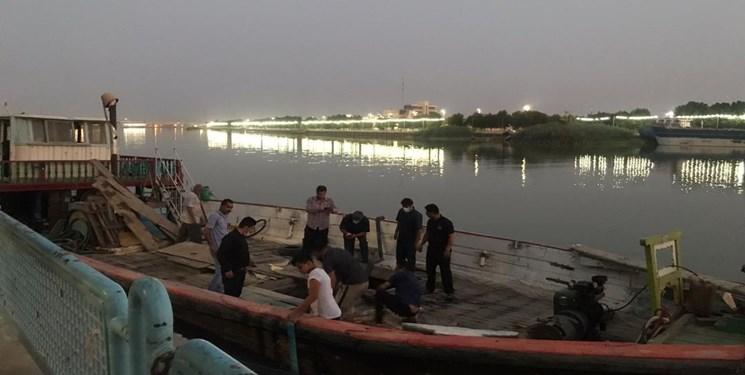 یک فروند لنج باری از غرق شدن در آبراه اروند نجات یافت