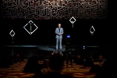 شعرخوانی محمدخادم در سوگواره شعر «پلک صبوری»