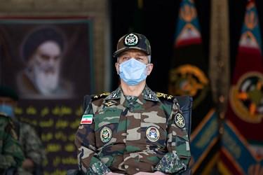 امیر سرلشکر سیدعبدالرحیم موسوی فرمانده کل ارتش جمهوری اسلامی ایران در مراسم اختتامیه دوره جامعه پذیری دانشگاههای افسری آجا