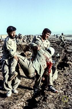 عراق شرق بصره پشت کانال ماهی /5 مرداد 1361 مجروحین پاتک ارتش عراق در عملیات رمضان