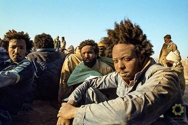 عراق شمال شرقی القرنه جزیره مجنون/6 اسفند 1362  اسرای عراقی در منطقه عملیاتی خیبر عراق در طول جنگ با ایران از نیروهایی با تابعیت کشورهایی چون سودان، اوردن، مراکش و غیره ...استفاده می کرد