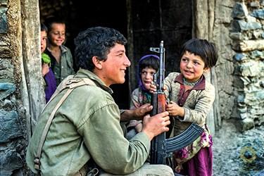 کردستان سقز روستای کیله شین /بهار 1363 استقرار نیروهای سپاه و پیشمرگان پس از پاکسازی روستا