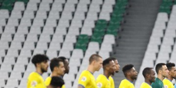 حاشیه بازی التعاون و پرسپولیس  اعتراض عربستانیها برای اعلام نشدن پنالتی