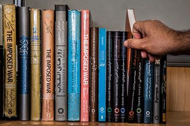 تعدای از کتابهای چاپ شده توسط انجمن عکاسان انقلاب و دفاع مقدس