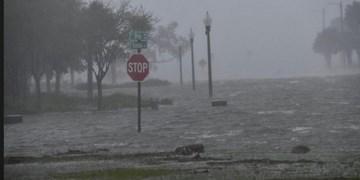 طوفانهای گرمسیری دست از سر تاسیسات نفتی آمریکا برنمیدارند/ سومین طوفان در راه خلیج مکزیک