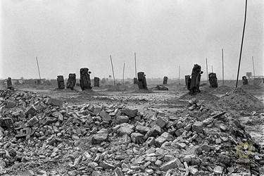 خرمشهر/ تیر 1361 موانع ایجاد شده توسط ارتش عراق در اطراف شهر برای جلوگیری از هلیبُرن نیروهای  ایرانی