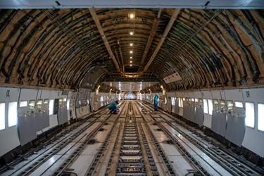 بررسی نهایی بوئینگ آمریکایی توسط متخصصان ایرانی در آشیانه شماره یک ایرانایر در فرودگاه مهرآباد