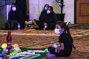 این مراسم سهشنبه اول مهرماه بعد از نماز مغرب و عشاء با رعایت دستورالعملهای بهداشتی برگزار شد