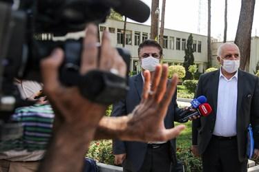 جعفر سرقینی سرپرست وزارت صمت پس از پایان جلسه هیأت وزیران در جمع خبرنگاران / ۲ مهر ۱۳۹۹